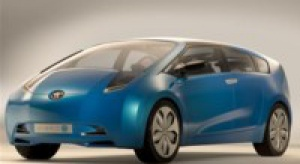 Toyota za dwa lata zaoferuje nowe auto hybrydowe