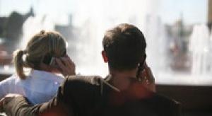 Polacy rezygnują z telefonów stacjonarnych