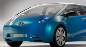 """Toyota rozpoczęła testy hybrydy """"plug-in"""""""