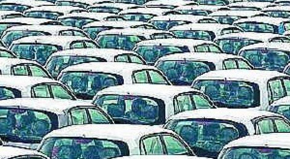Kryzys dogonił samochody