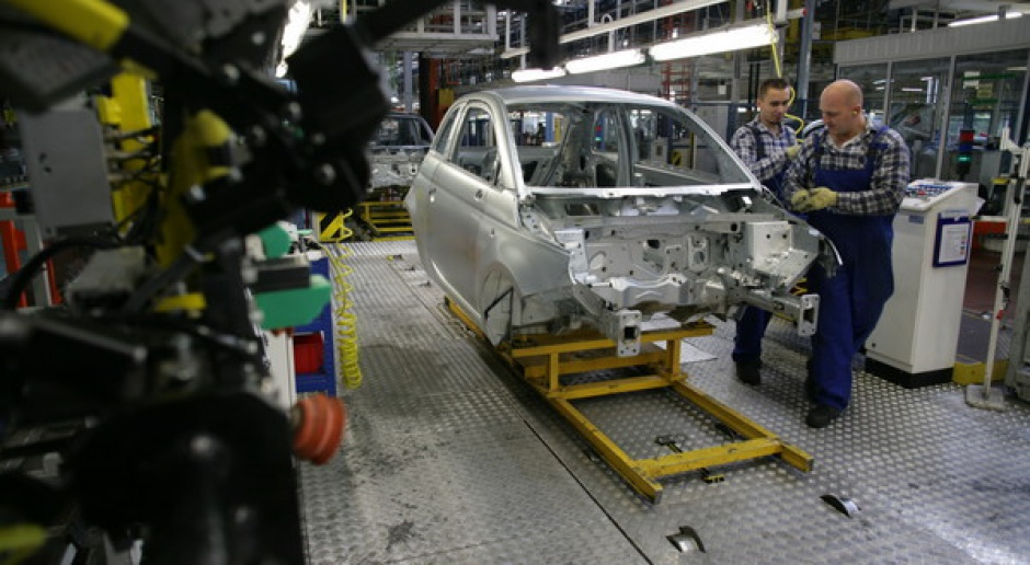 Krajowi producenci aut tną prognozy