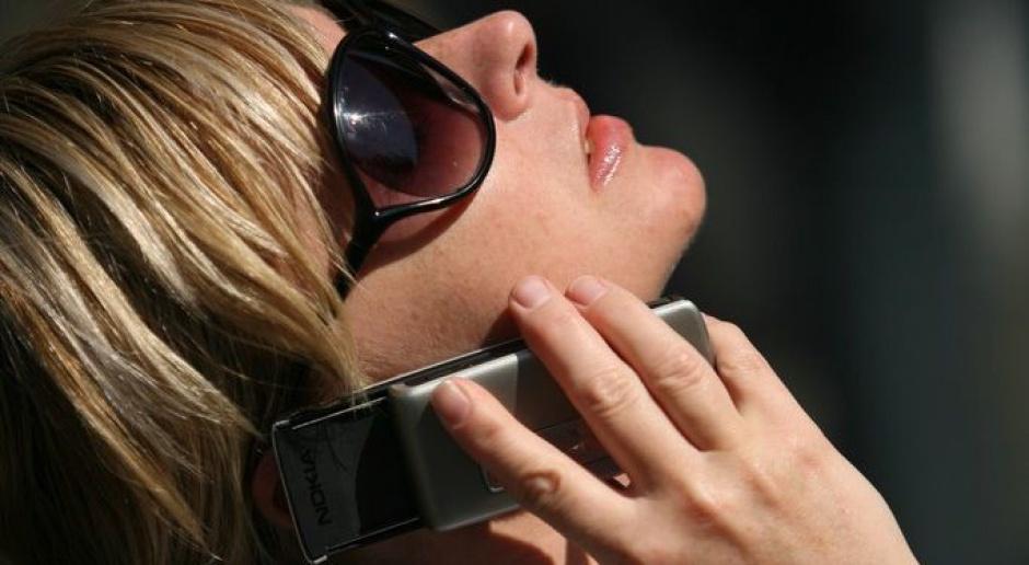 Ubywa chętnych na telefony komórkowe