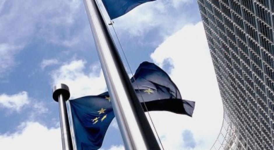 Bruksela krytykuje polski UKE