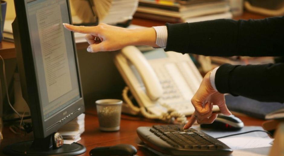 Elektroniczna rewolucja w urzędach już w 2010 r.