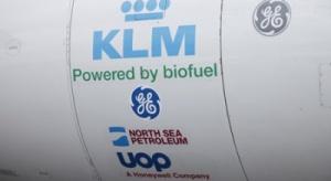Pierwszy pasażerski lot samolotem na biopaliwie