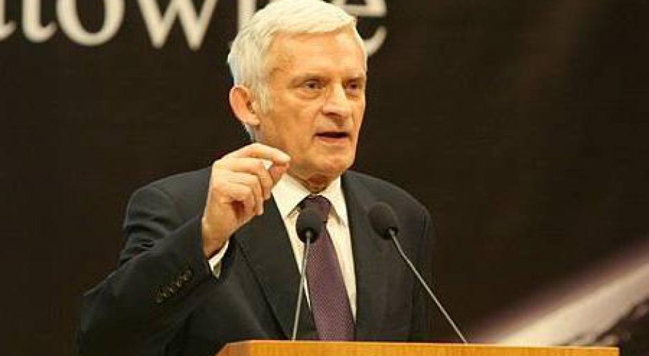 """Buzek: KE przygotowuje strategię rozwoju gospodarczego """"UE 2020"""""""