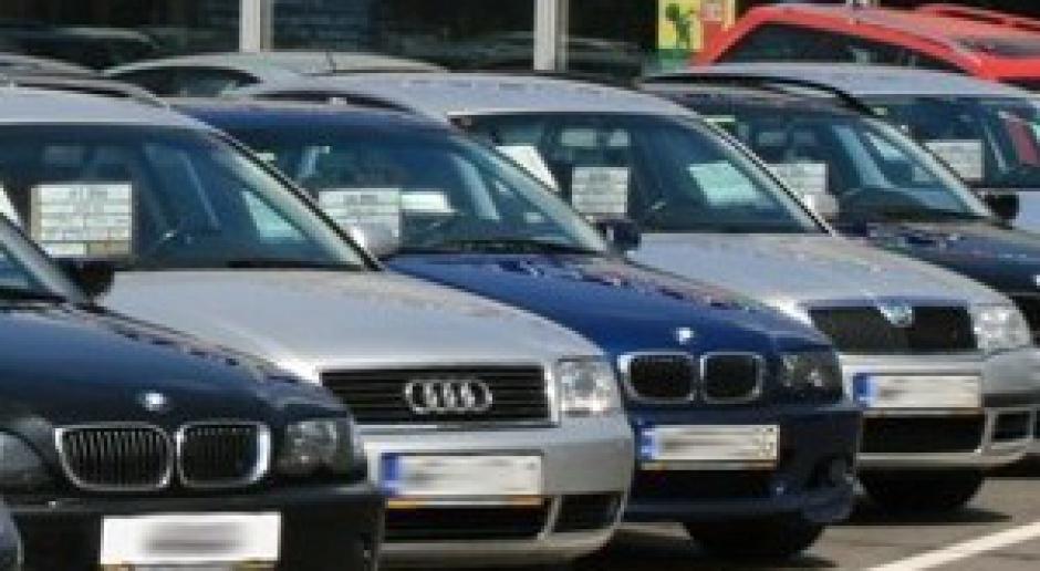 Marcowy skok ilości sprowadzanych aut