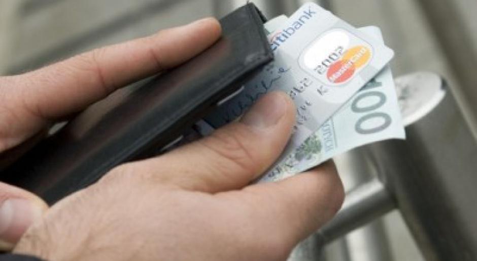 15 mld zł zadłużenia na kartach kredytowych w 2009 r.