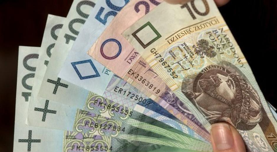 Ograniczenie dla kredytów walutowych powinno dotyczyć tylko nowej sprzedaży?