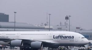 Największy pasażerski samolot świata przyleciał do Warszawy
