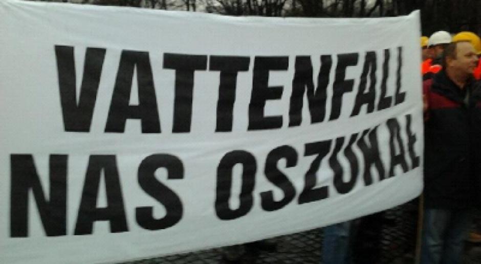 Związkowcy ze śledziami i cytrynami na Vattenfall