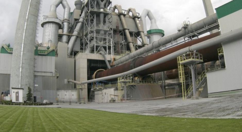 """Przemysł cementowy """"wycieknie"""" z Polski przez limity CO2?"""