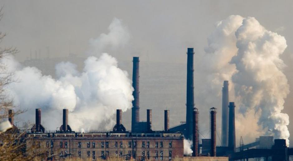 Świat zwiększy emisje CO2