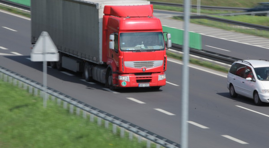 Od piątku do końca wakacji ograniczenia w ruchu ciężarówek