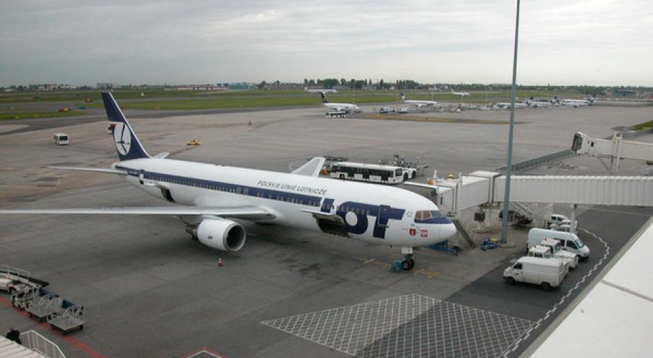 LOT korzysta na powstałej luce w lotach krajowych