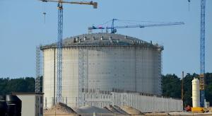 Gazoport: budowlańcy przerwali pracę, chcą wypłat