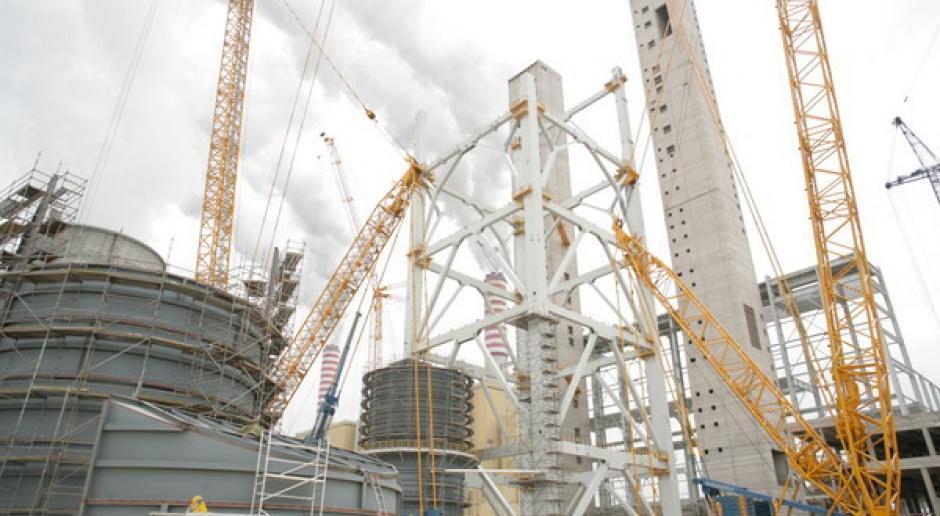 Wieloletnie opóźnienia w budowie nowych elektrowni