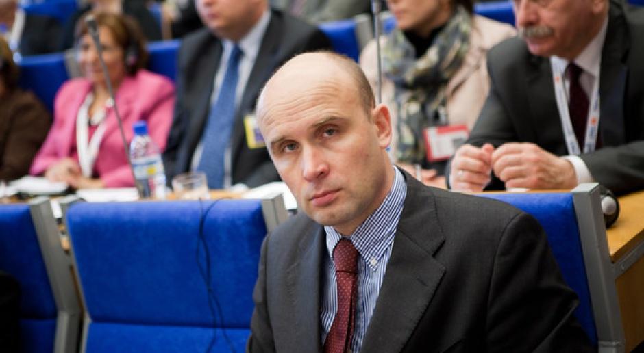 Korolec: backloading zależny od głosowania w PE