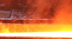 Firmy stalowe niszczą własny biznes