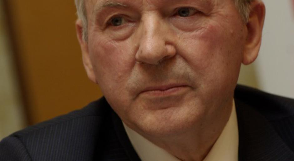 Prof. Gomułka: manipulacje rządu w sprawie OFE