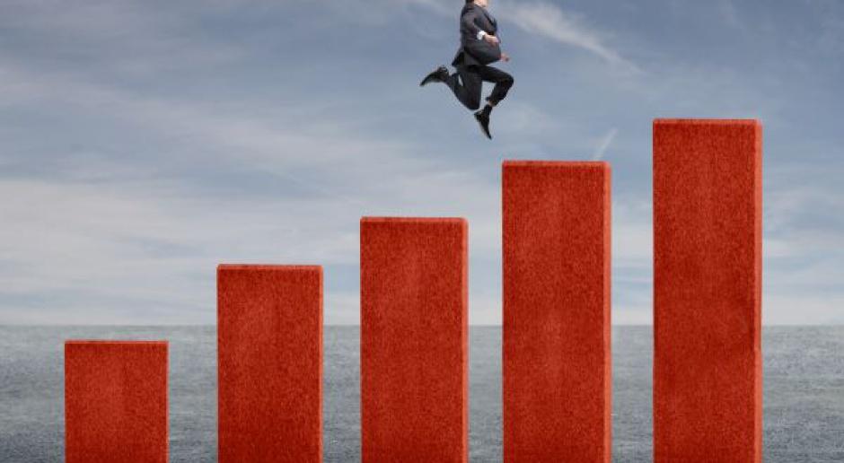Firmy zaczynają inwestować, a gospodarka będzie rosła