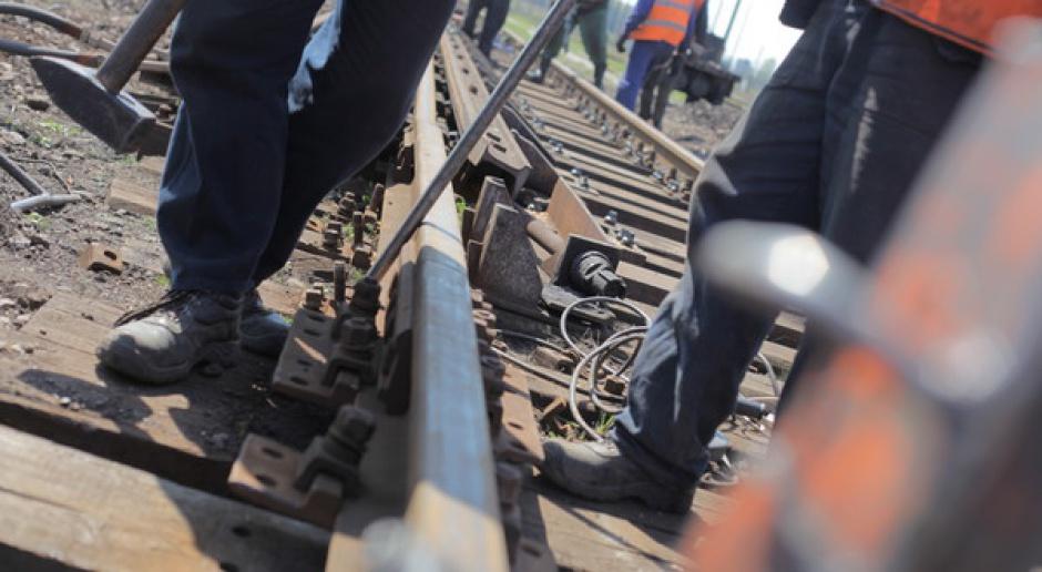 Siedem ofert na kolejową inwestycję wartych 251-299 mln zł