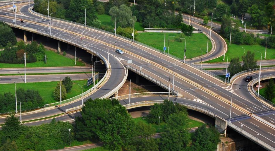 Rozwój sieci drogowej pozwala oszczędzić 6 mld zł rocznie