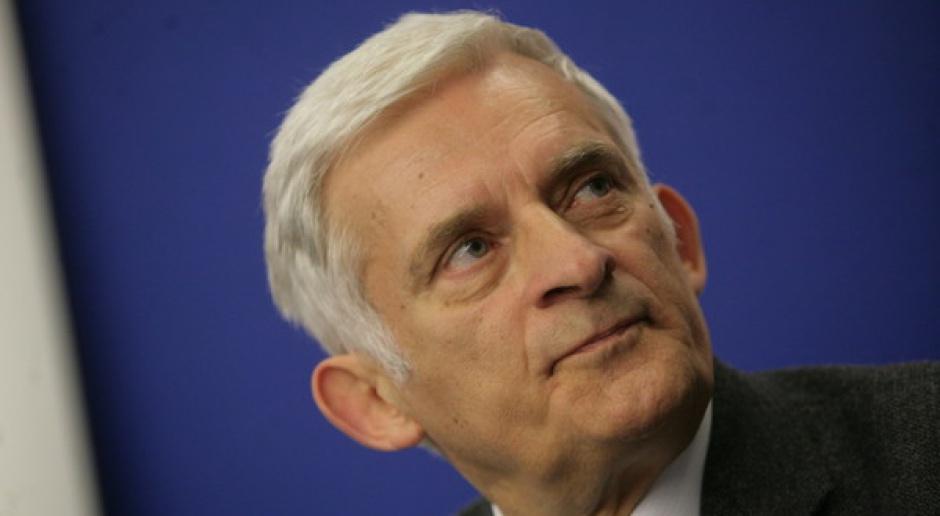 Buzek: ministrowie spraw zagranicznych potrzebni w polityce bezpieczeństwa energetycznego