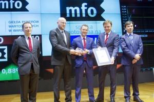 Kurs akcji MFO nie zmienił się na debiucie na GPW