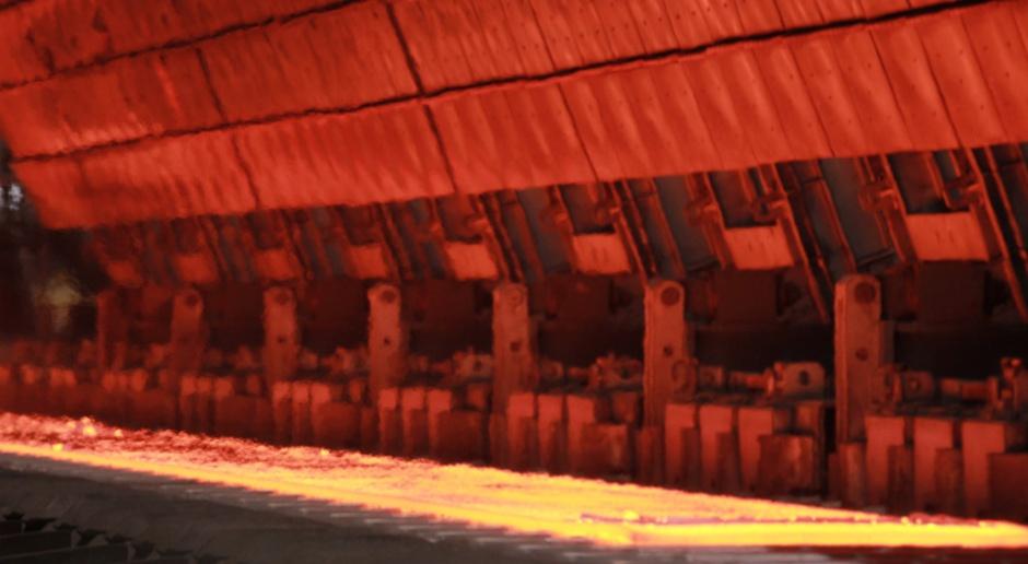 ArcelorMittal zmniejsza straty netto