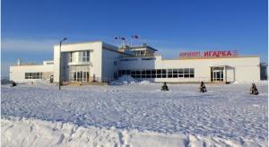 Na Syberii pasażerowie pchali samolot, żeby mógł wystartować