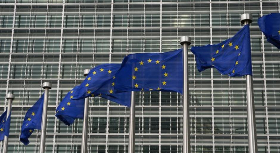 PE odrzucił wniosek o wotum nieufności wobec KE