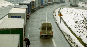 Krótsze kolejki ciężarówek na przejściach z Białorusią