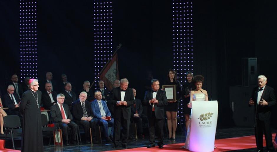 Prezydent Komorowski nagrodzony Diamentowym Laurem Umiejętności i Kompetencji