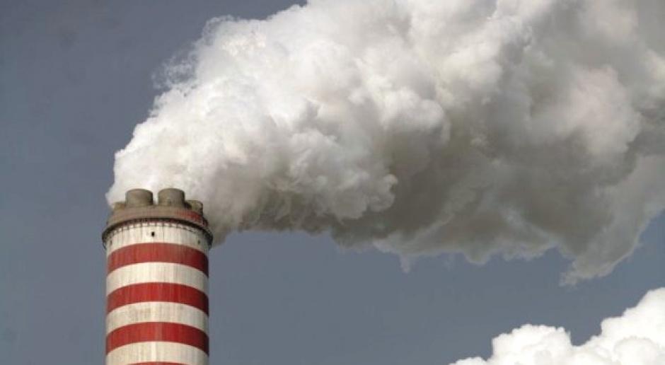 Eksperci: pakiet klimatyczny UE uderza w polską energetykę