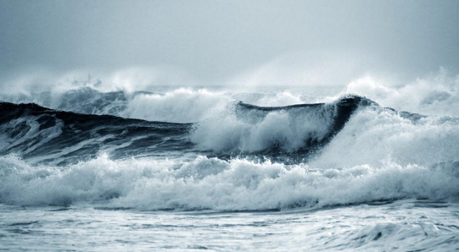 Polski wynalazek daje prąd z fal morskich