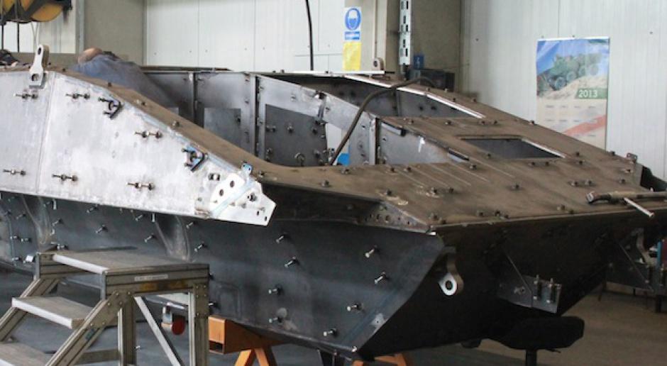 Zatwierdzono nowe dostawy stali na Rosomaki