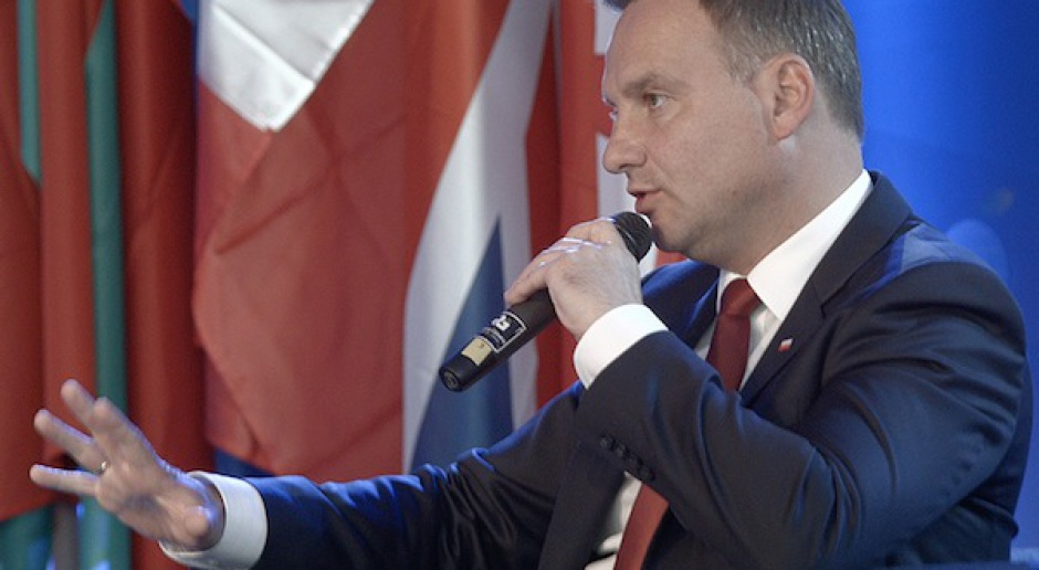 Prezydent: ws. przyjęcia euro potrzebne referendum
