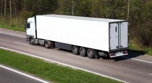 Ograniczenia dotyczące transportu drogowego godzą w Unię