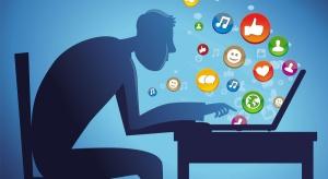 Co trzeci Polak korzysta z sieci rzadziej niż raz w tygodniu