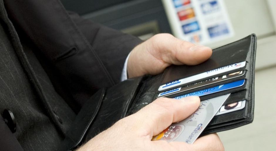 Tańsze opłaty za korzystanie z kart płatniczych