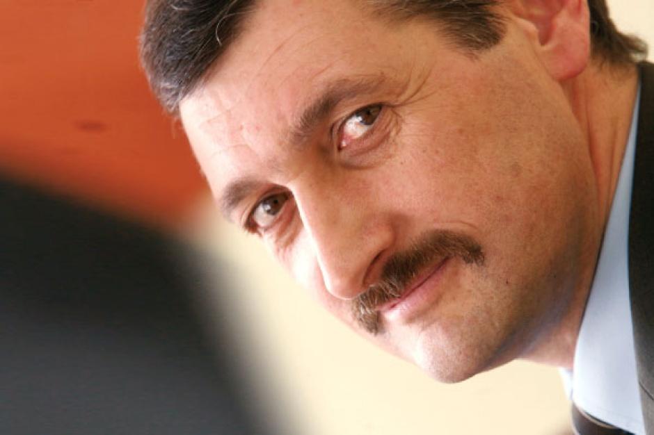 - Atutem firm zewnętrznych jest to, że ich wydajność jest wyższa niż w przypadku załóg kopalnianych, oraz to, że coraz częściej dysponują one własnym sprzętem - uważa Piotr Bojarski, zastępca prezesa firmy Phoenix Business.