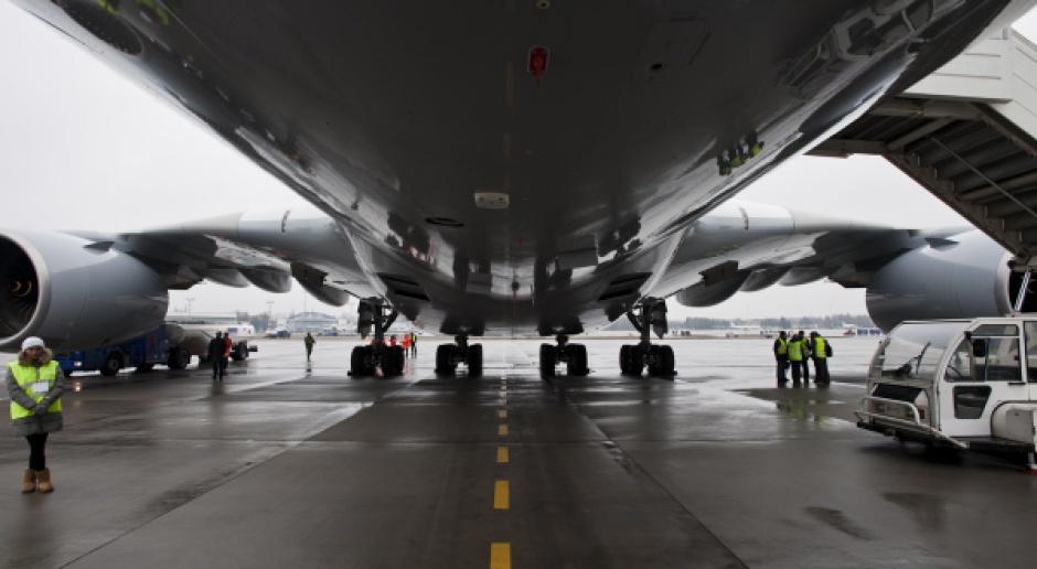 Największy na świecie samolot pasażerski wylądował w Warszawie