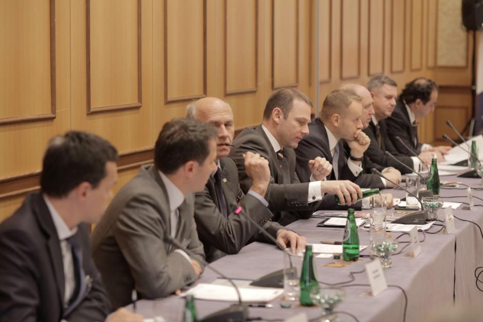 Rok fuzji i przejęć. M&A w Polsce na tle Europy - konsolidacje, restrukturyzacje, prywatyzacje – największe zmiany na polskim rynku i ich prognozowane konsekwencje dla branż to zagadnienia omawiane podczas panelu dyskusyjnego Forum ZPP 2012. fot. Andrzej Wawok