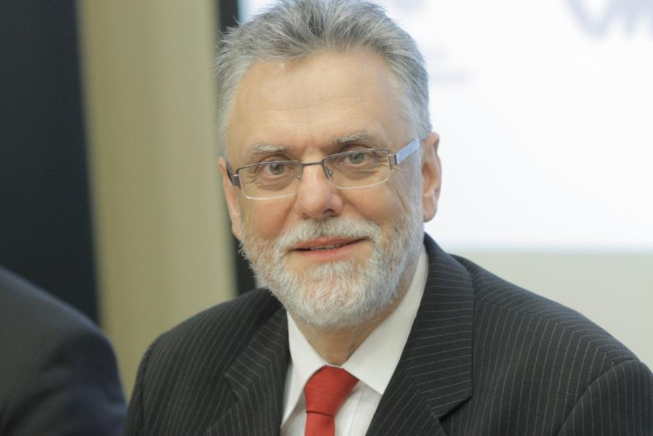 Zbigniew Mączka - wiceprezes Urzędu Lotnictwa Cywilnego