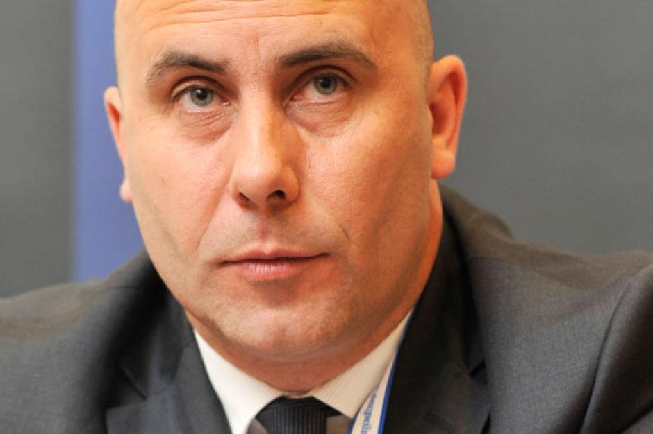 Adam Leszkiewicz  wiceprezes zarządu ZA Kędzierzyn    - W Polsce w ciągu dwóch lat Skarb Państwa planuje sprzedaż około 300 spółek; i to właśnie prywatyzacja będzie motorem rozwoju rynku M&A w naszym kraju.