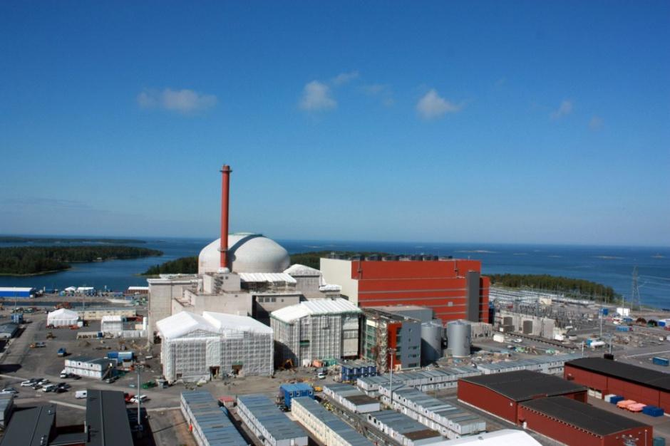 Drugą pod względem wielkości grup narodowych wśród pracowników na budowie elektrowni są Polacy, którzy stanowią aż 22 proc. wszystkich pracowników. Więcej jest tylko Finów (29 proc.).