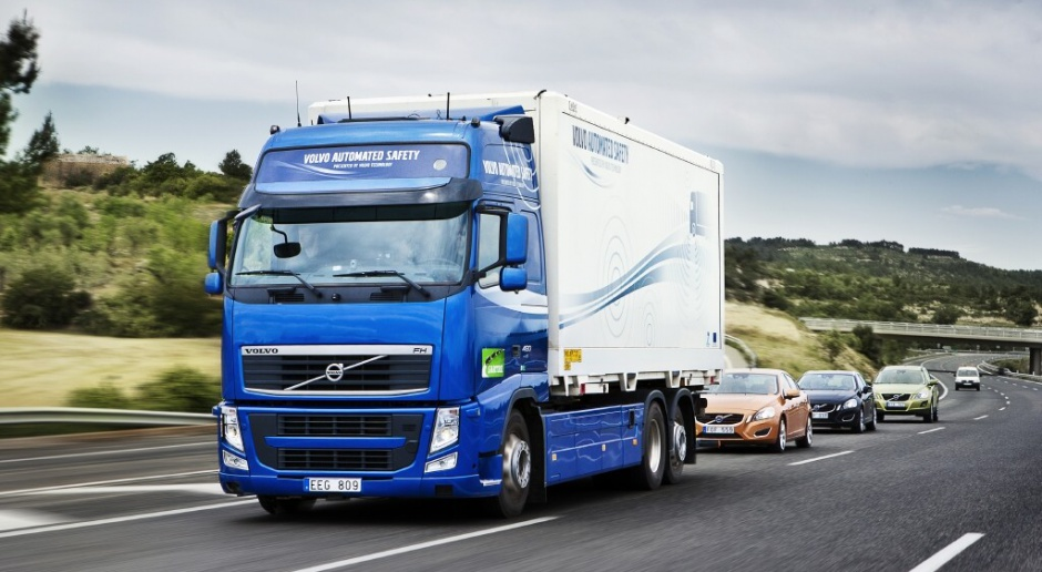 Lubelskie: 600 ciężarówek czeka przed przejściem granicznym w Dorohusku