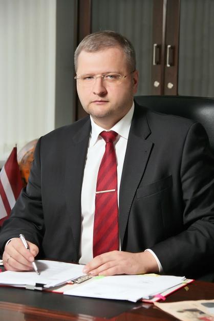 - W Europie jeszcze w pierwszym półroczu 2012 roku produkcja przewyższała zużycie i w ten sposób powstały nadmierne zapasy stali, natomiast w drugim półroczu spadły również ceny - zauważa Andrejs Aleksejevs, prezes zarządu Severstallat Silesia.
