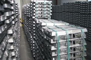 Chiny uwalniają rezerwy metali, by obniżyć ceny